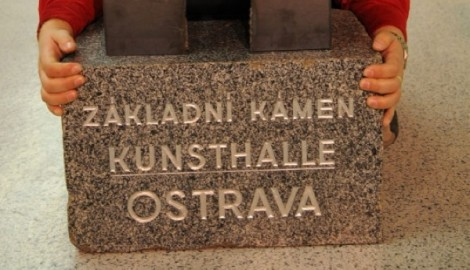Surůvka - základní kámen Kunsthalle - 2006  pc1108