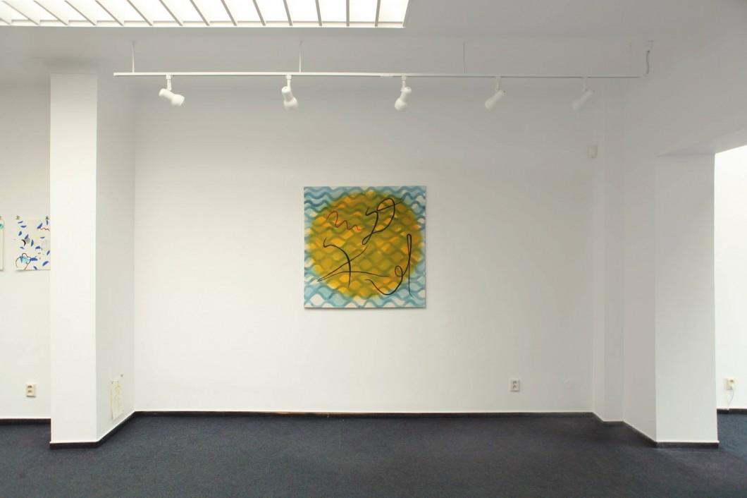 01_Pohled do instalace vystavy Simona Kadlcaka Devine divide dive